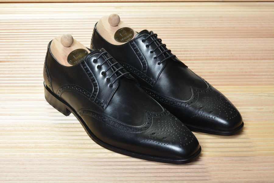 BLACK LEATHER  - Classic Business